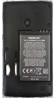 Nokia Lumia 520 - Primeros pasos - Quitar y colocar la batería - Paso 6