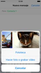 Apple iPhone SE - MMS - Escribir y enviar un mensaje multimedia - Paso 9