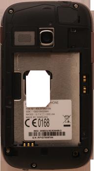 Samsung S6310 Galaxy Young - Primeros pasos - Quitar y colocar la batería - Paso 4