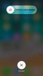 Apple iPhone 6 iOS 11 - MMS - Configurar el equipo para mensajes multimedia - Paso 11