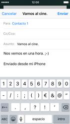 Apple iPhone 5s iOS 10 - E-mail - Escribir y enviar un correo electrónico - Paso 8